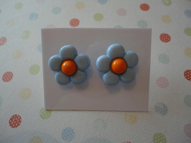 Light Blue Daisy Earrings