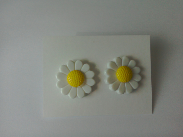 Daisy Earrings 1