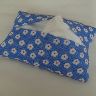 Pocket Tissue Holder with Pretty Flowers