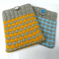 Diamond knitted iPad case
