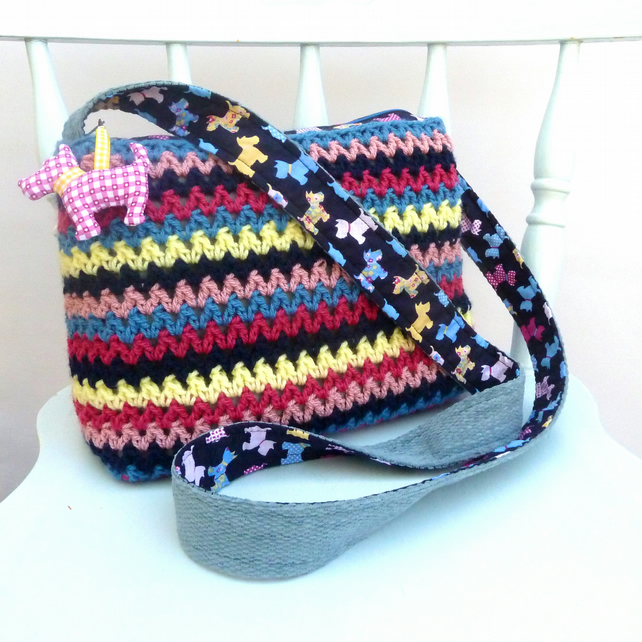 Scottie dog crochet shoulder bag