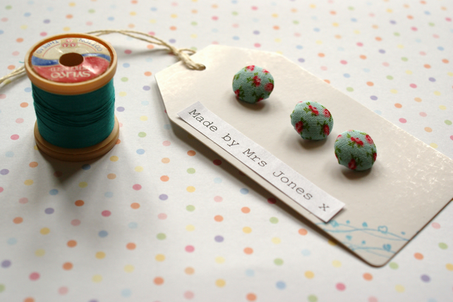 Rosebud covered buttons