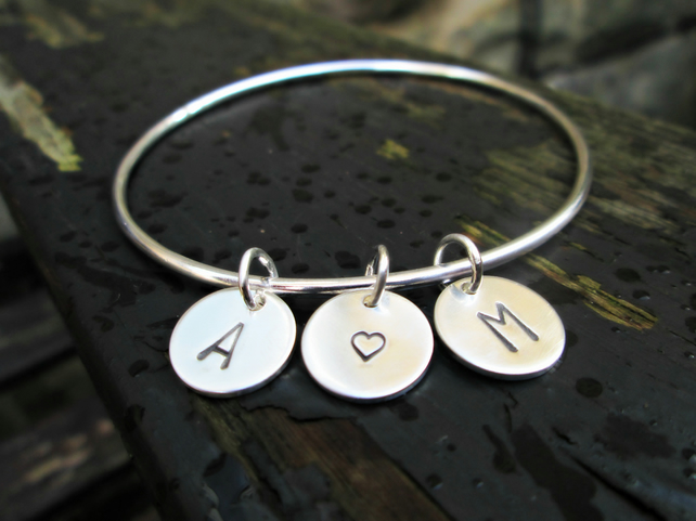 INITIALS BANGLE - Customised with initials of your loved ones, a gift for Mum!