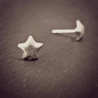 TWINKLE TWINKLE - ear studs. Sterling Silver, unique, a great gift for girls
