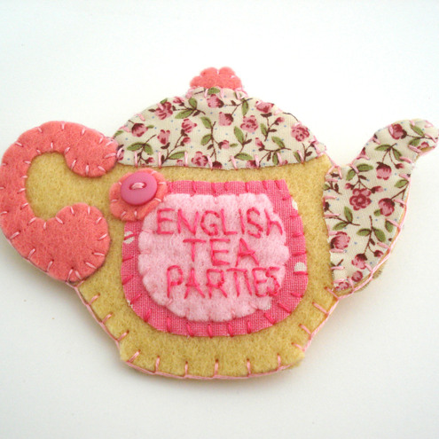 Felt brooch Teapot Personalised