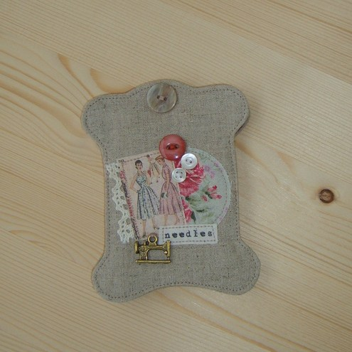 Cotton Reel Shaped Needle Book