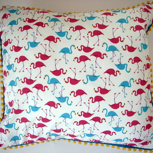 Kitsch FLAMINGO print cushion