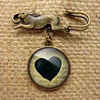 Black Heart No.2 Hare Pin Brooch (RR10)