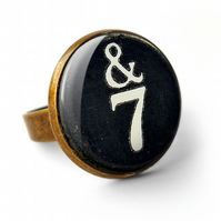 &7 Typewriter Key Ring (DJ01)