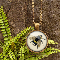 Vintage Bee Large Necklace (ER04)
