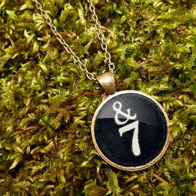 &7 Typewriter Key Large Necklace (DJ01)