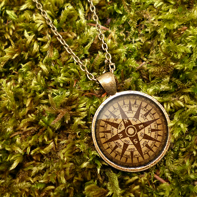 Compass No.1 Large Necklace (DJ03)