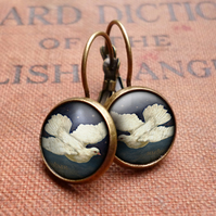 Vintage Dove Leverback Earrings (ER09)
