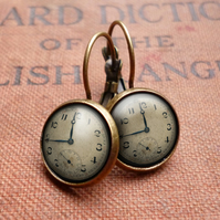 Vintage Clock Leverback Earrings (ER06)