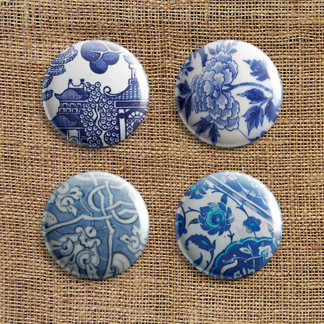 Badge Pack – Set Of 4 Blue and White Button Badges (SP)
