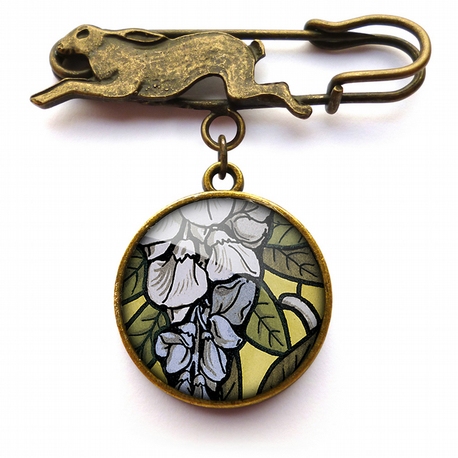 Wisteria Hare Pin Brooch (AN03)