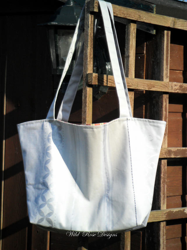 Tote in Silver grey