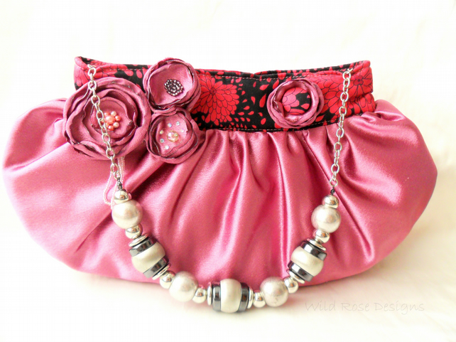 Evening bag in pink satin- Sale item!
