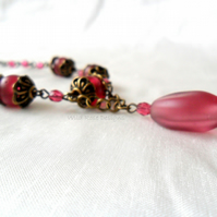 Fuchsia bead pendant necklace