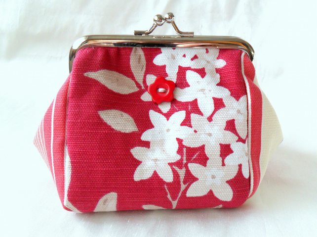 Pink floral purse with kiss lock frame