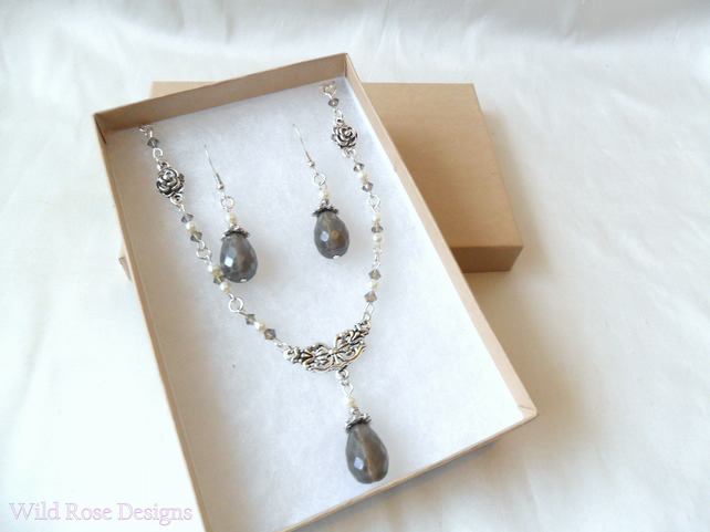 Earring and necklace set in grey, silver and ivory - Sale item, final reduction!