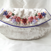 Embellished silver evening clutch bag. Evening bag.