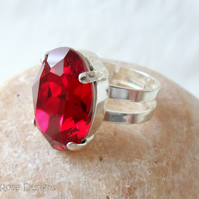 Adjustable ring with Swarovski crystal in Siam red