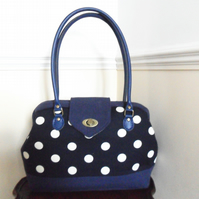 Navy spot handbag. Carpet bag