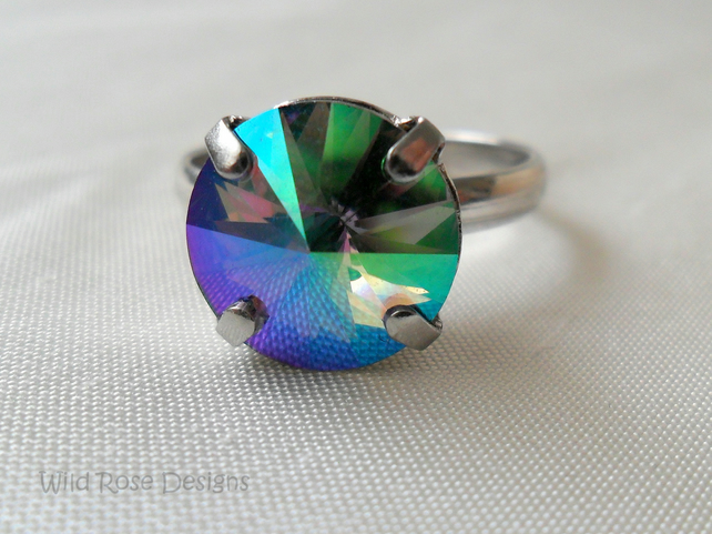 Platnum-plated adjustable ring with Swarovski rivoli crystal