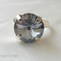 Silver-plated adjustable ring with Swarovski crystal