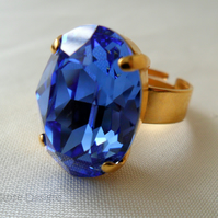 Large oval ring with a blue Swarovski crystal