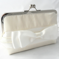 Ivory silk wedding clutch. Silk occasion bag.
