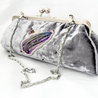 Velvet evening bag in lilac