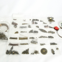 De-stash. Miscellaneous bronze-plated jewellery findings