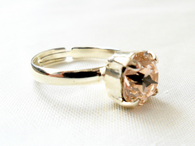 Adjustable ring with vintage rose crystal