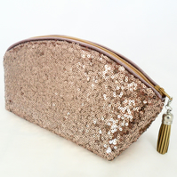 Make up bag in Rose Gold