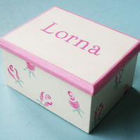 Girl's Gift, Small Rosebuds Keepsake Box