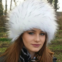 Extra Special White 'Bond Girl' Hat with Black Tips!