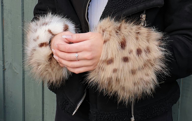 A Pair of Beautiful Luxury Faux Fur Cuffs in Cheetah- Faux Suede Lining and Elas