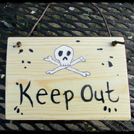 Keep Out Plaque skeleton , scull and cross bones,
