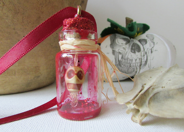 Scull in a Bottle, Halloween Decoration, Necklace, Hanging Scull