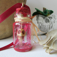 Scull in a Bottle, Halloween Decoration, Hanging Scull