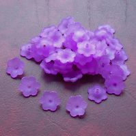 50 PURPLE 12mm FLOWER Beads, Lucite, Acrylic, petal
