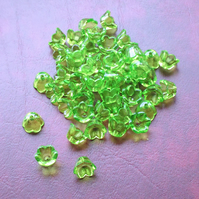 50 GREEN Tulip Flower Beads