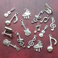 MUSIC Charm mix, 16 charms, antique silver tone, gramophone, violin, guitar