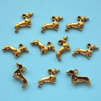 DACHSHUND dog Charms x 10, antique GOLD tone charm