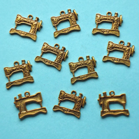 SEWING MACHINE Charms x 10, antique GOLD tone charm