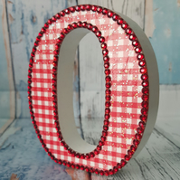Letter O, Gingham, Cheques, freestanding initials, red and white