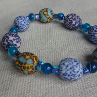 Ghanaian Beaded Stretch Bracelet - Blue mix