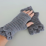 Fingerless Crochet Mitts with Dragon Scale Cuffs Grey